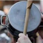 Manifestation de casserole pour accueillir le préfet